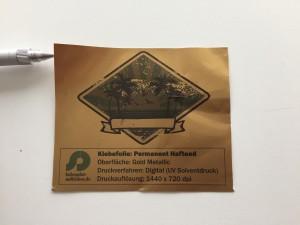 Druck auf Goldfolie_folienplot-aufkleber.de